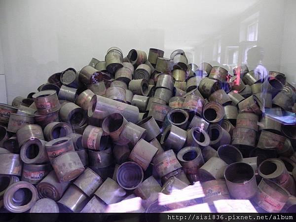 這些可怕的Zyklon B 氰化氫毒氣,一天可毒死6000個猶太人。
