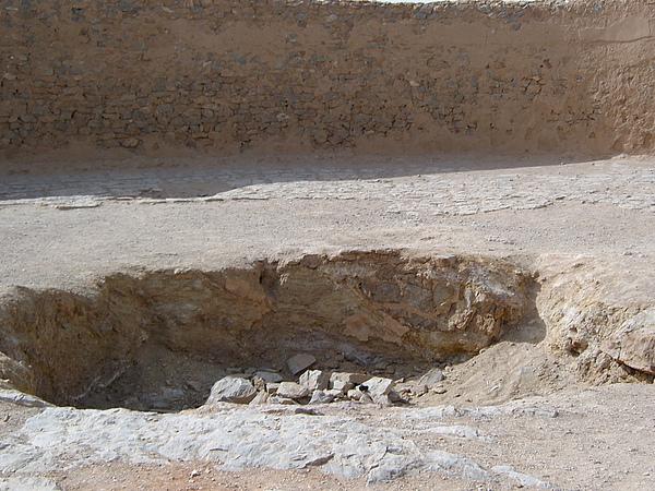 天葬台遺體放置處