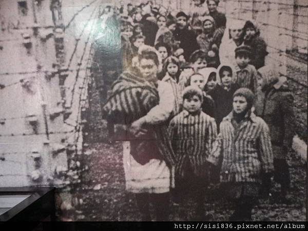 被送進集中營的猶太婦女及兒童