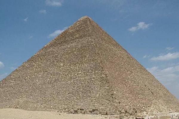 世界七大奇景之ㄧ~金字塔