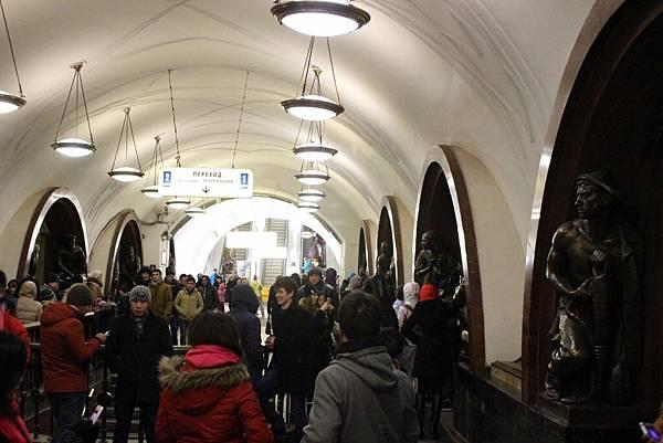 莫斯科地鐵 (44).jpg