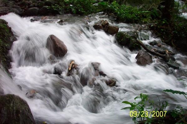 湍急的水.JPG