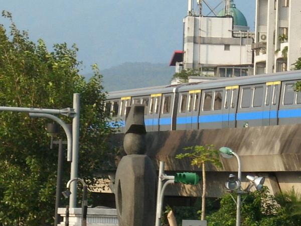 列車駛過.JPG