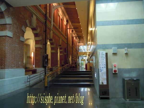 文學館內部.jpg