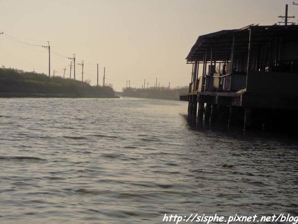 河道蜿蜒.jpg
