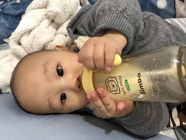 奶瓶🍼_180211_0035