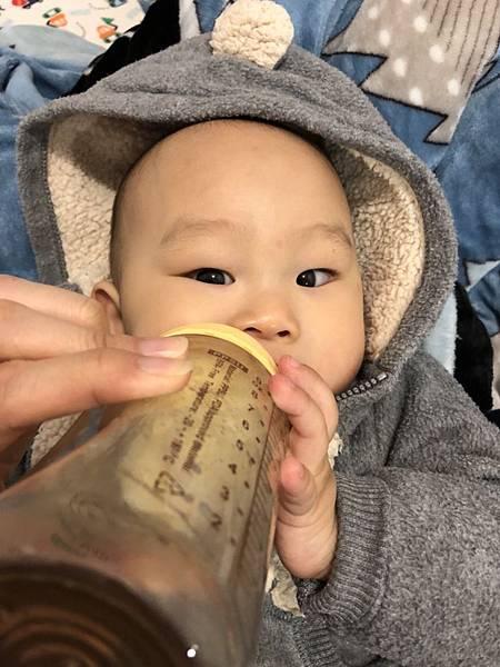 奶瓶🍼_180211_0073