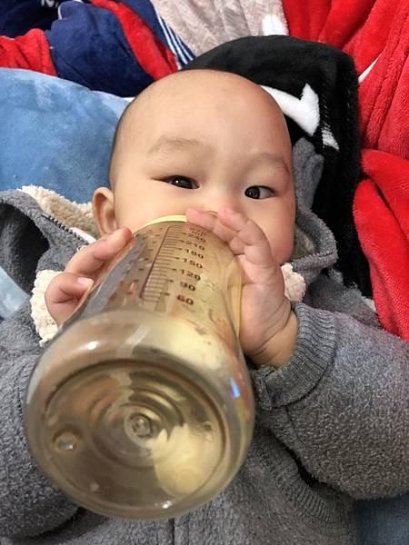 奶瓶🍼_180211_0071