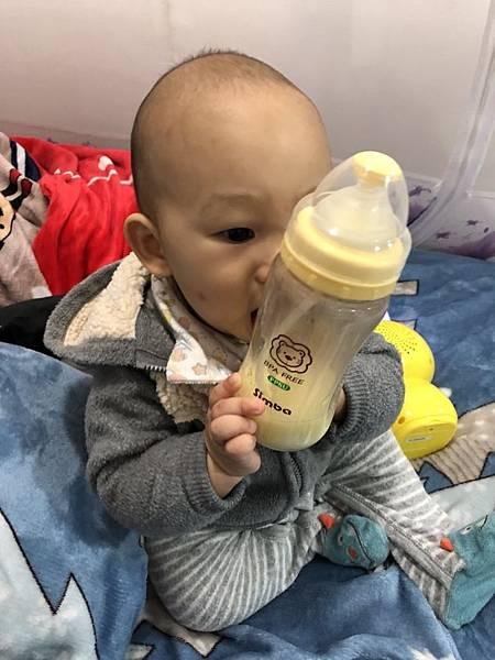 奶瓶🍼_180211_0061