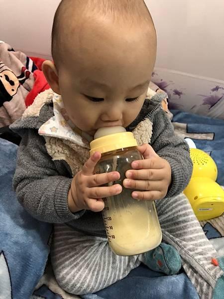 奶瓶🍼_180211_0064
