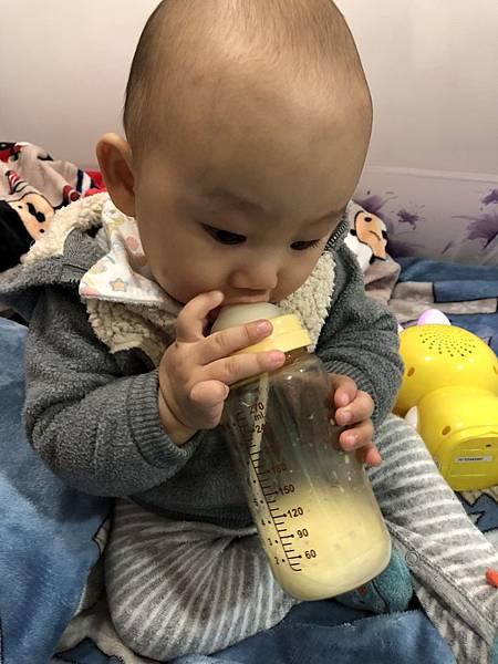 奶瓶🍼_180211_0065