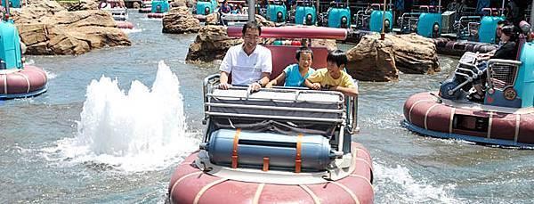 水上逗趣船