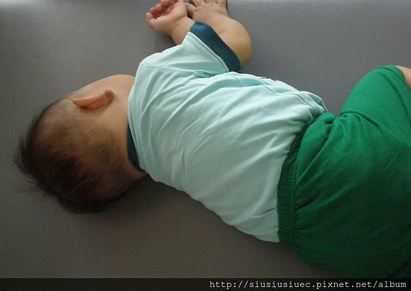 早產嬰幾個月能轉身?