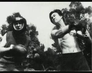 BRUCE LEE 李小龍 GUNG FU JKD[(004966)15-04-52].JPG