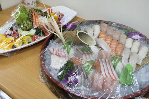 豪華生魚片大餐