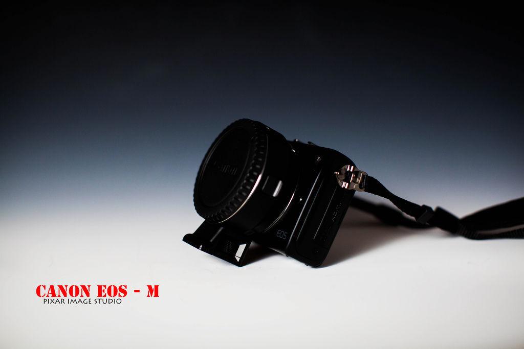 canon  EOS  M -12