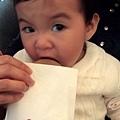 小黑妹 愛吃藍莓