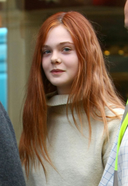 Elle+Fanning+Long+Hairstyles+Long+Straight+isrRvbQb__4l