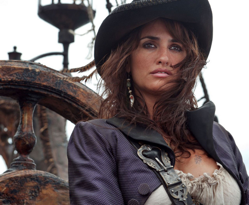 Pirates-of-the-Caribbean-On-Stranger-Tides_Penelope-Cruz_polka_Image-Credit-Disney-1.jpg