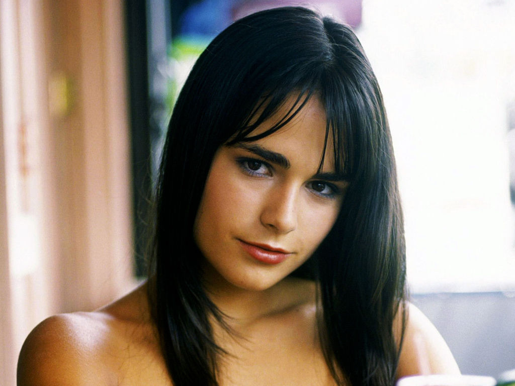 Jordana-Brewster-Wallpaper-002-1600x1200.jpg