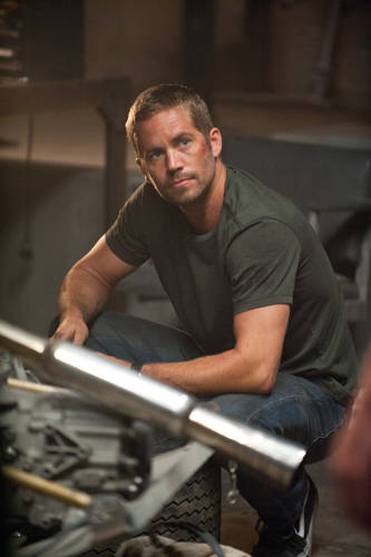 fast-five-paul-walker-photo2.jpg