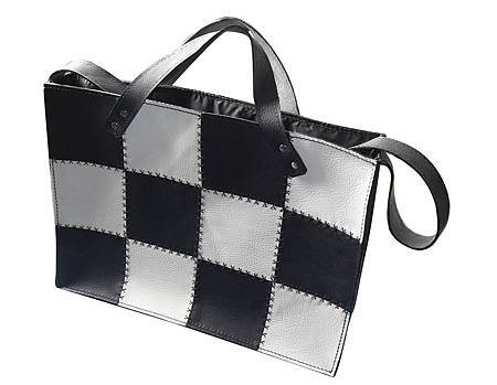 黑白棋盤包1