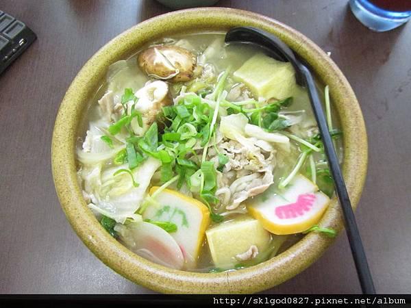 2012-02-21 東北酸菜白肉麵-1