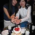 記得上次切蛋糕也是他們的生日說