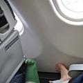 一上飛機就拖鞋