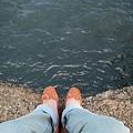 這雙鞋...在短短一瞬間就被我脫的破皮了