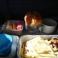 一個很簡單不是很好吃的飛機餐