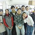 8與勝利手工琉璃工作人員合影1調整大小.JPG