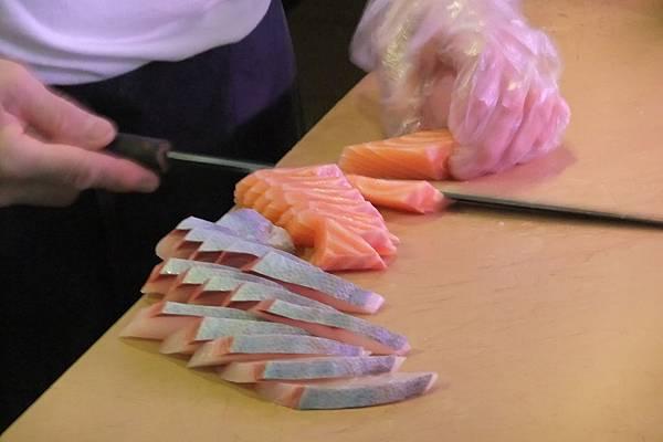滿滿的生魚片