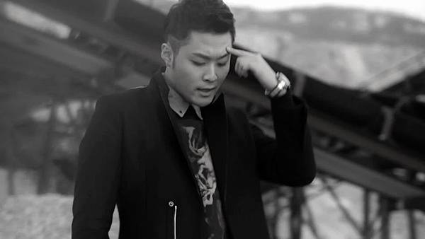 M.I.B - Worry About Yourself First(Feat. Bomi of A Pink) MV[(002458)14-29-45]