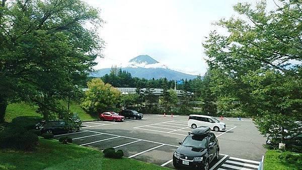 【日本東京】新宿到河口湖交通攻略:新宿高速巴士購票與搭乘,搭巴士到河口湖自助旅行_富士急