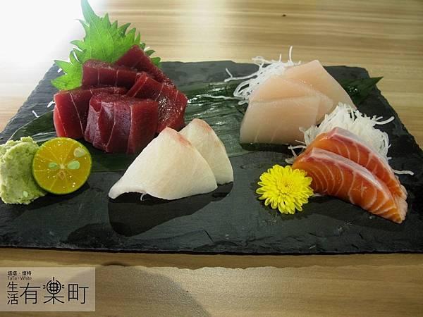 【新竹東區美食】松江屋慈雲店:高CP值推薦,平價美味的日式料理!綜合生魚片