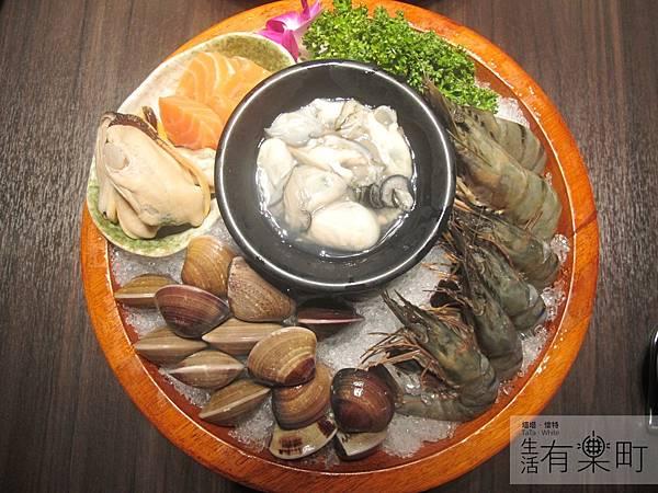 【桃園中壢美食】和熹精緻鍋物:激推花甲蟹火鍋,現撈海鮮烤物炸物大滿足!超豐富海鮮盤