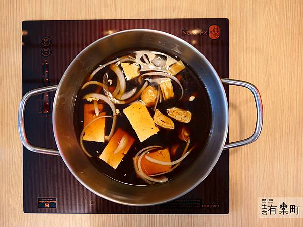 【台北內湖】洋夫人牛排:西式排餐精緻鍋物,溫體牛滿足你的嘴,甜點飲品融化你的心,約會聚餐推薦近東湖圓環_P1000271_result