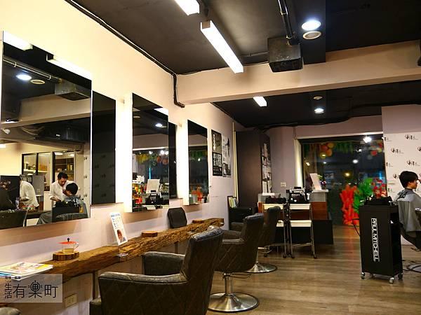 【台北髮廊推薦】月影髮集師大店:巷弄裡的生活態度,複合式質感綠空間;外在和內心充電的秘密基地,台北男生剪髮染髮推薦,近師大商圈台電大樓站