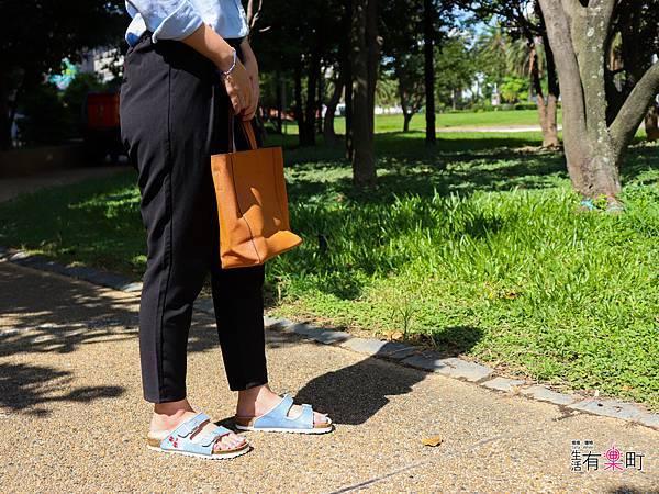 【好物開箱】METIS:推薦夏日穿搭好朋友,平價時尚海軍風外型人字拖,舒適繞帶設計不咬腳;單寧刺繡涼拖鞋,透氣真皮不黏膩-0277.jpg