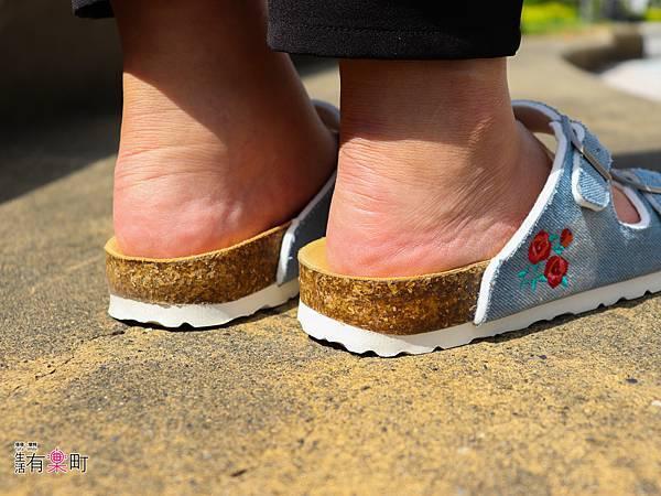 【好物開箱】METIS:推薦夏日穿搭好朋友,平價時尚海軍風外型人字拖,舒適繞帶設計不咬腳;單寧刺繡涼拖鞋,透氣真皮不黏膩-0280.jpg