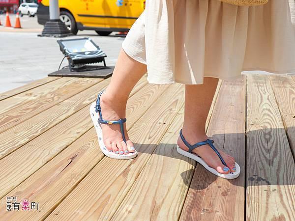 【好物開箱】METIS:推薦夏日穿搭好朋友,平價時尚海軍風外型人字拖,舒適繞帶設計不咬腳;單寧刺繡涼拖鞋,透氣真皮不黏膩-0302.jpg