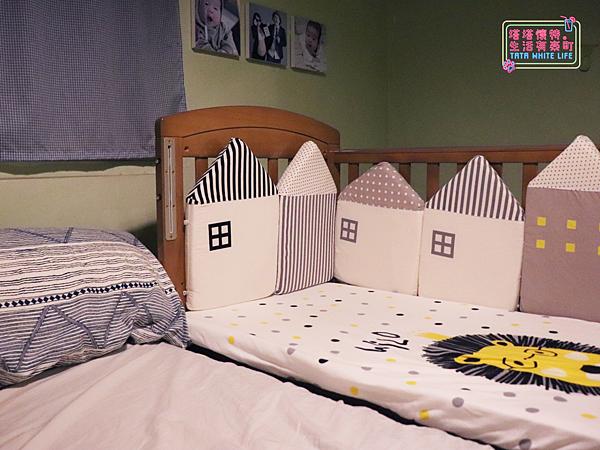 【塔塔懷特育兒好物】童心多功能成長嬰兒床:林萌之的第一張床!為寶寶挑選個舒適的好床!嬰兒床、坐臥床、沙發床三合一,可以從新生兒睡到四歲喔~奧斯卡大床使用心得分享-補.png