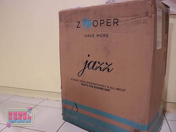 【塔塔懷特育兒好物】Zooper Jazz2嬰兒車開箱與心得分享:林萌之的第一台嬰兒車!嬰兒就可以開始用的 Zooper Jazz,可平躺、可折疊、可登機、輕便旅行用,全能小戰車推薦!-7024.jpg