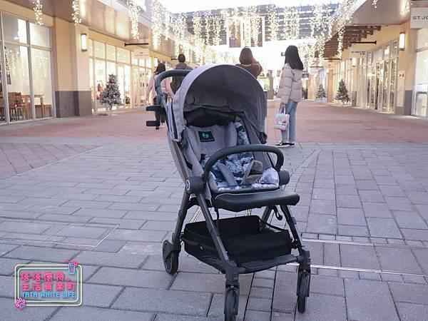 【塔塔懷特育兒好物】Zooper Jazz2嬰兒車開箱與心得分享:林萌之的第一台嬰兒車!嬰兒就可以開始用的 Zooper Jazz,可平躺、可折疊、可登機、輕便旅行用,全能小戰車推薦!-7223.jpg