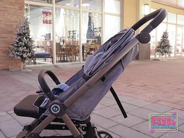 【塔塔懷特育兒好物】Zooper Jazz2嬰兒車開箱與心得分享:林萌之的第一台嬰兒車!嬰兒就可以開始用的 Zooper Jazz,可平躺、可折疊、可登機、輕便旅行用,全能小戰車推薦!-7232.jpg