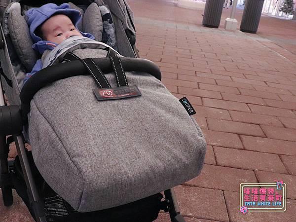 【塔塔懷特育兒好物】Zooper Jazz2嬰兒車開箱與心得分享:林萌之的第一台嬰兒車!嬰兒就可以開始用的 Zooper Jazz,可平躺、可折疊、可登機、輕便旅行用,全能小戰車推薦!-7248.jpg