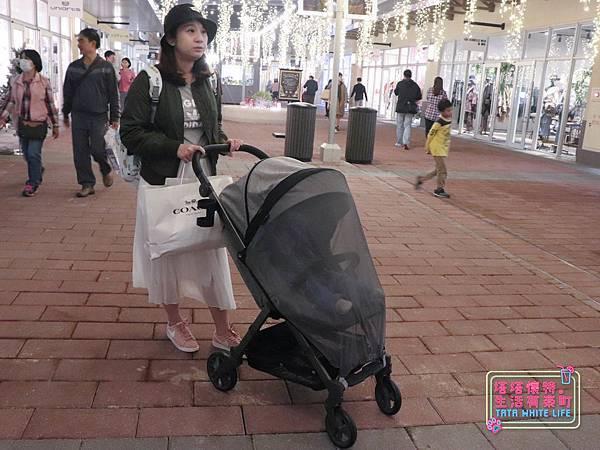 【塔塔懷特育兒好物】Zooper Jazz2嬰兒車開箱與心得分享:林萌之的第一台嬰兒車!嬰兒就可以開始用的 Zooper Jazz,可平躺、可折疊、可登機、輕便旅行用,全能小戰車推薦!-7249.jpg