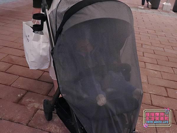 【塔塔懷特育兒好物】Zooper Jazz2嬰兒車開箱與心得分享:林萌之的第一台嬰兒車!嬰兒就可以開始用的 Zooper Jazz,可平躺、可折疊、可登機、輕便旅行用,全能小戰車推薦!-7250.jpg