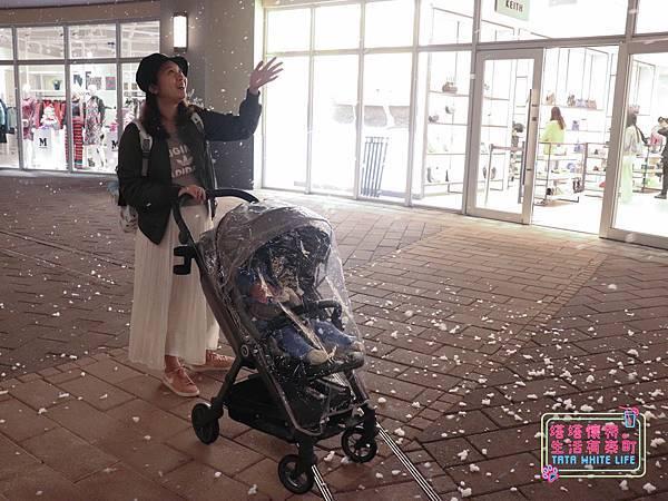 【塔塔懷特育兒好物】Zooper Jazz2嬰兒車開箱與心得分享:林萌之的第一台嬰兒車!嬰兒就可以開始用的 Zooper Jazz,可平躺、可折疊、可登機、輕便旅行用,全能小戰車推薦!-7251.jpg
